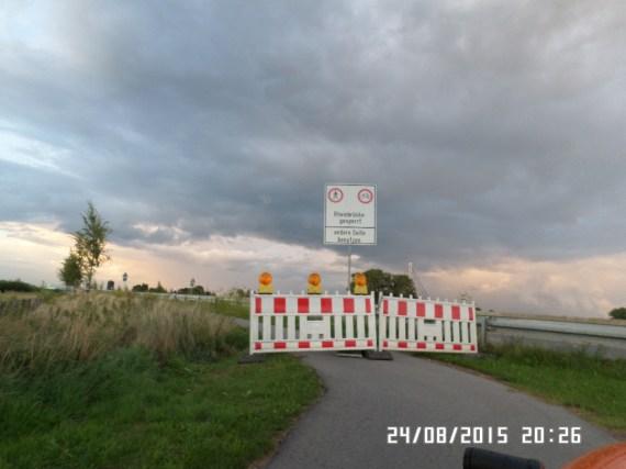 Rhein-broen-spærret for cykler på denne side