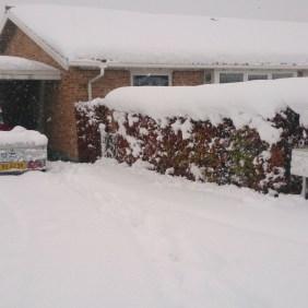 Sne foran Halfdans hus søndag morgen