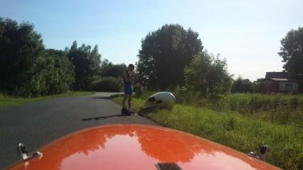 Wilfred punkteret 1 km før camping