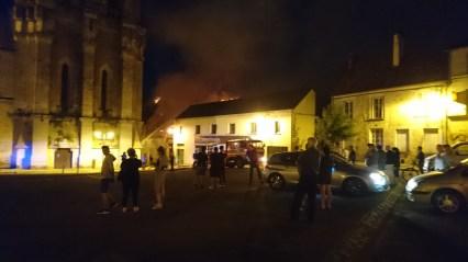 Brænd i Mortagne-Au-Perche om aften (1)