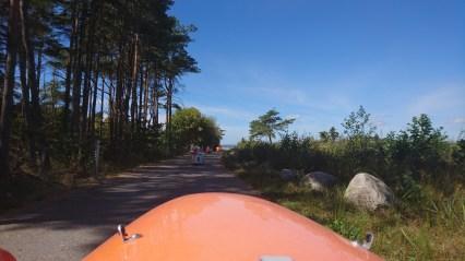 På vej til lille strand