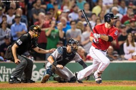 BOSTON, MA - AUGUST 18: Mitch Moreland #18 of the Boston Red Sox hits a go ahead RBI single during the seventh inning of a game against the New York Yankees on August 18, 2017 at Fenway Park in Boston, Massachusetts. (Photo by Billie Weiss/Boston Red Sox/Getty Images) *** Local Caption *** Mitch Moreland
