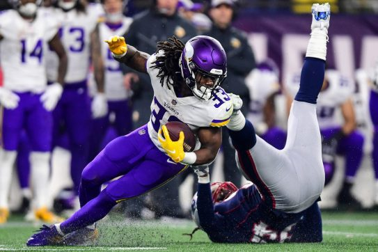 FOXBOROUGH, MA - DECEMBER 02: Adrian Clayborn #94 of the New England Patriots is unable to tackle Dalvin Cook #33 of the Minnesota Vikings during the fourth quarter at Gillette Stadium on December 2, 2018 in Foxborough, Massachusetts. (Photo by Billie Weiss/Getty Images) *** Local Caption *** Adrian Clayborn;Dalvin Cook