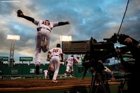 BOSTON, MA - APRIL 24: Jackie Bradley Jr. #19 of the Boston Red Sox leaps out of the dugout before a game against the Detroit Tigers on April 24, 2019 at Fenway Park in Boston, Massachusetts. (Photo by Billie Weiss/Boston Red Sox/Getty Images) *** Local Caption *** Jackie Bradley Jr.