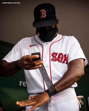BOSTON, MA - AUGUST 7: Jackie Bradley Jr. #19 of the Boston Red Sox tapes his wrists before a game against the Toronto Blue Jays on August 7, 2020 at Fenway Park in Boston, Massachusetts. The 2020 season had been postponed since March due to the COVID-19 pandemic. (Photo by Billie Weiss/Boston Red Sox/Getty Images) *** Local Caption *** Jackie Bradley Jr.