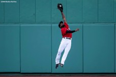 BOSTON, MA - SEPTEMBER 4: Jackie Bradley Jr. #19 of the Boston Red Sox makes a leaping catch during the sixth inning of a game against the Toronto Blue Jays on September 4, 2020 at Fenway Park in Boston, Massachusetts. The 2020 season had been postponed since March due to the COVID-19 pandemic. (Photo by Billie Weiss/Boston Red Sox/Getty Images) *** Local Caption *** Jackie Bradley Jr.