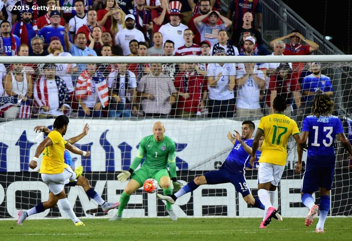 FOXBORO, MA - SEPTEMBER 08: Hulk #21 of Brazil scores a goal during an international friendly against the United States at Gillette Stadium on September 8, 2015 in Foxboro, Massachusetts. (Photo by Billie Weiss/Getty Images)