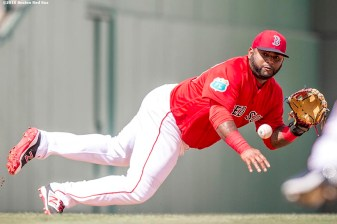 FT. MYERS, FL - MARCH 7: Pablo Sandoval #48 of the Boston Red Sox makes a diving stop during a Grapefruit League game against the Tampa Bay Rays on March 7, 2016 at JetBlue Park at Fenway South in Fort Myers, Florida . (Photo by Billie Weiss/Boston Red Sox/Getty Images) *** Local Caption *** Pablo Sandoval