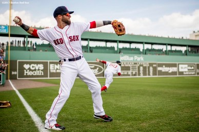 FT. MYERS, FL - MARCH 5: Dustin Pedroia #15 of the Boston Red Sox warms up before a Spring Training game against the Atlanta Braves on March 5, 2017 at Fenway South in Fort Myers, Florida . (Photo by Billie Weiss/Boston Red Sox/Getty Images) *** Local Caption *** Dustin Pedroia