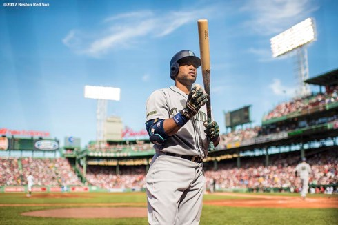 BOSTON, MA - MAY 27: Robinson Cano #22 of the Seattle Mariners warms up on deck during the first inning of a game against the Seattle Mariners on May 27, 2017 at Fenway Park in Boston, Massachusetts. (Photo by Billie Weiss/Boston Red Sox/Getty Images) *** Local Caption *** Robinson Cano