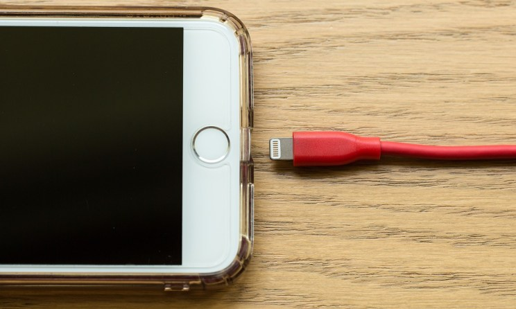 How to Fix An iPhone That Won\u0026#39;t Charge - Billionaire365