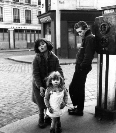 """Doisneau, """"Les Enfants de la Place Hebert,"""" Paris"""