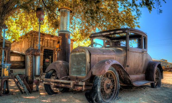 Old gas pumps and car