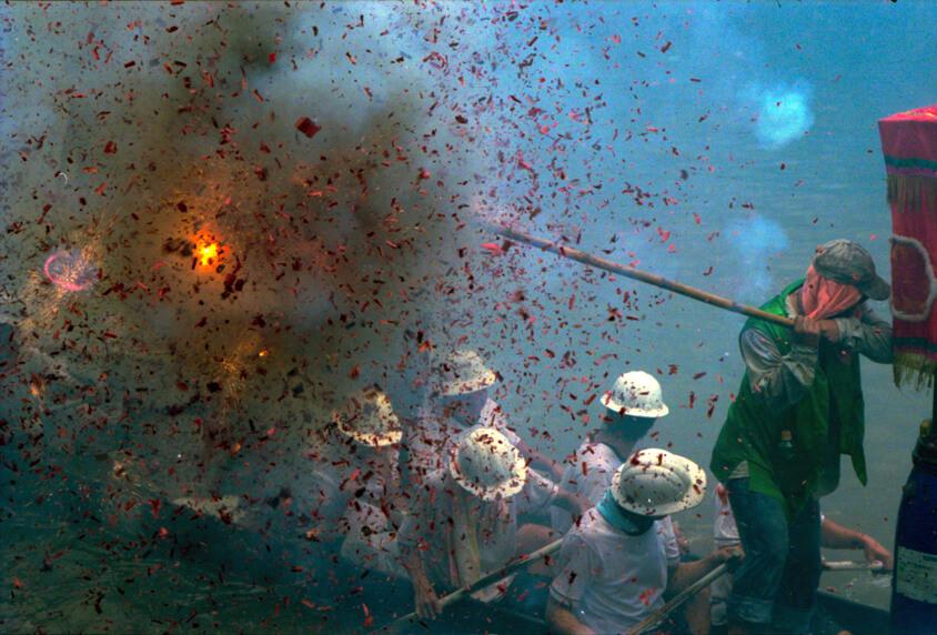 炮杖龙舟 广州猎德村 2004-06-22