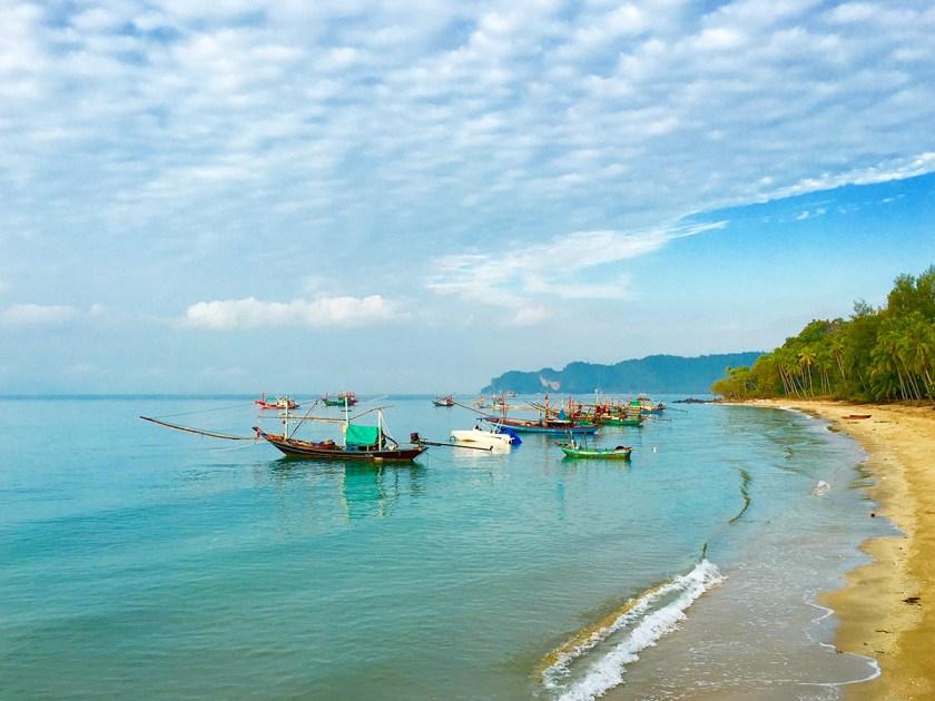 Lomprayah Pier in Chumphon, Thailand