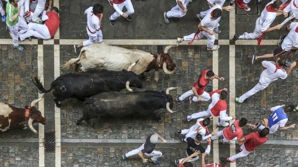 Tjurrusning i Pamplona, Spanien, på mångas Bucketlist, dock inte min.