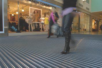 bimade-instalacion-pavimentos-ligeros-barrera-antisuciedad-14