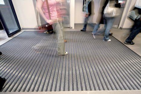 bimade-instalacion-pavimentos-ligeros-barrera-antisuciedad-2