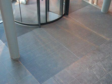 bimade-instalacion-pavimentos-ligeros-barrera-antisuciedad-9