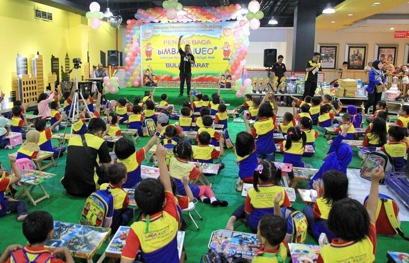 Wah, antusias sekali murid biMBA Bulak Barat mengikuti kegiatan pentas baca.
