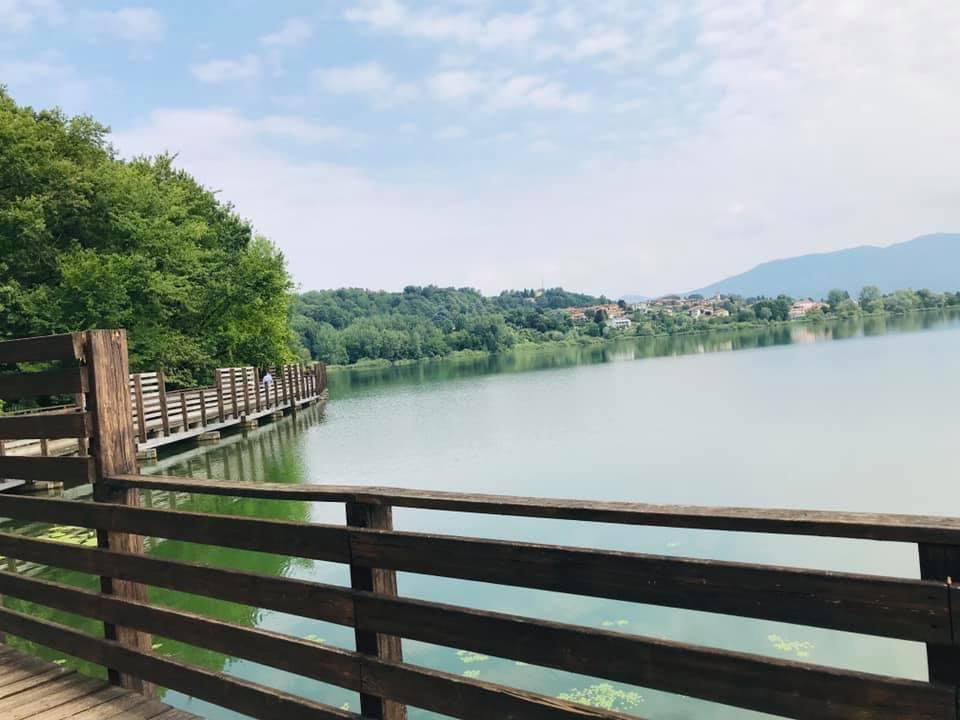 Ponte sul lago di Comabbio