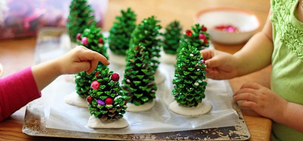 Lavoretti di natale con le pigne: Lavoretti Di Natale Per Bambini 10 Idee Facili Da Realizzare