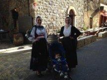 Michele e il costume tradizionale femminile di Benetutti