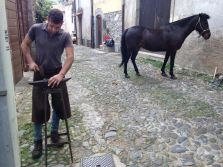 ferratura del cavallo a Santu Lussurgiu