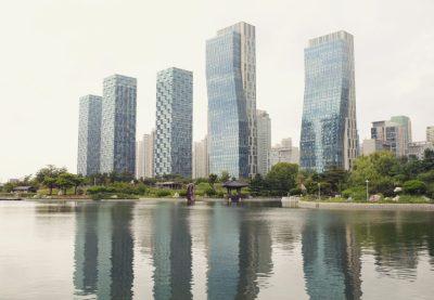 tree-water-sky-skyline-building-city-1417385-pxhere.com
