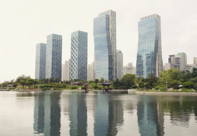 tree-water-sky-skyline-building-city-1417385-pxhere.com