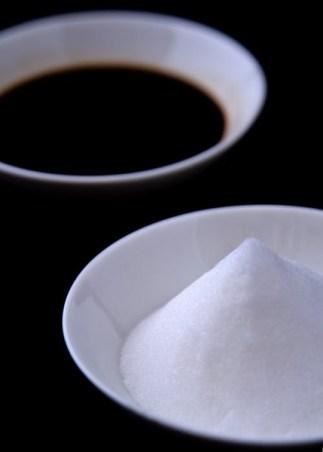 ナメクジが塩で溶ける理由は浸透圧?砂糖では?カタツムリはどうなの?