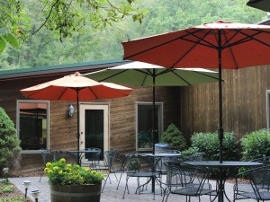 Abingdon Vineyard and Winery Outdoor Seating