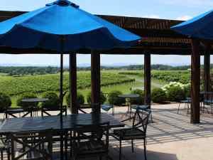 Barren Ridge Vineyards patio