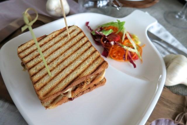Club Sandwich mit Huhn, Ananas und Speck – 20