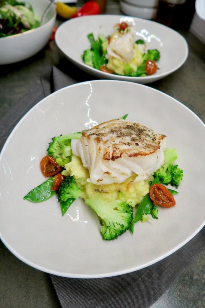 Kabeljau Loins mit Zitronenpüree und Salsa Verde