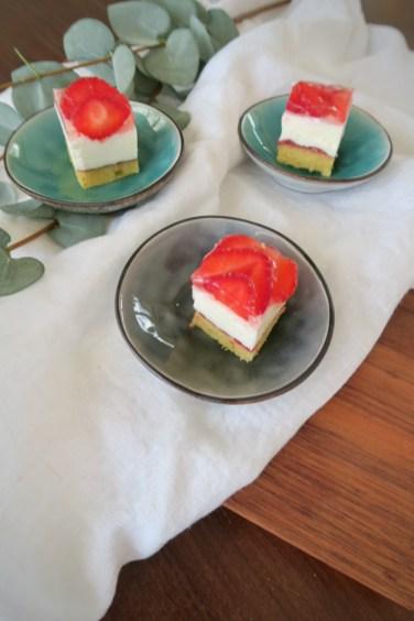 Erdbeer-Topfenschnitte
