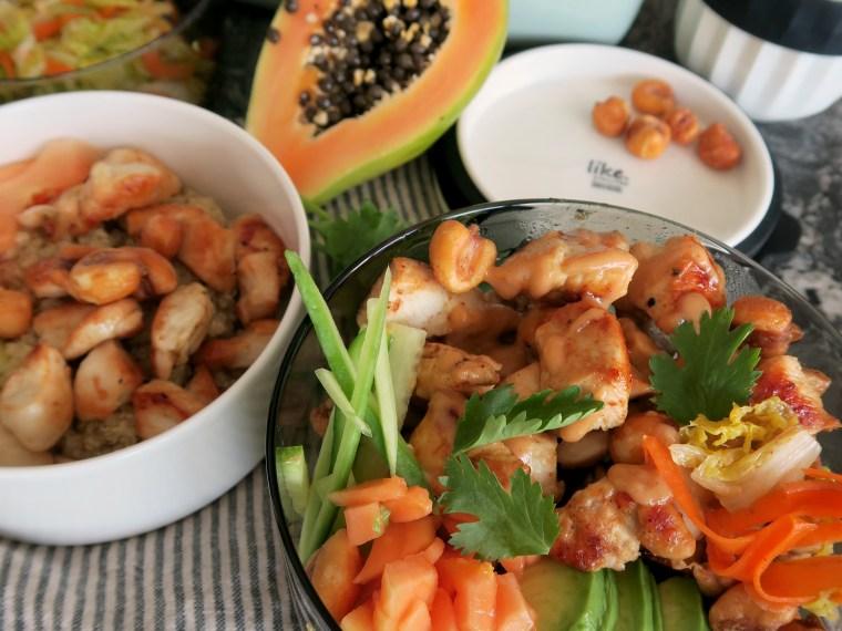 Quinoa Bowl mit Huhn