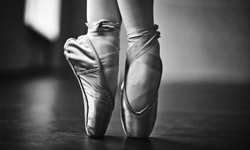 Ballet-representing-practicing-a-speech