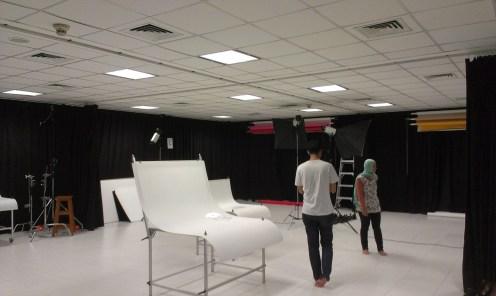 ruangan studio fotografi Binus
