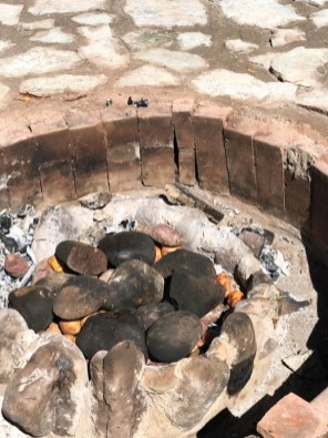 Pachaminca oven of hot river stones