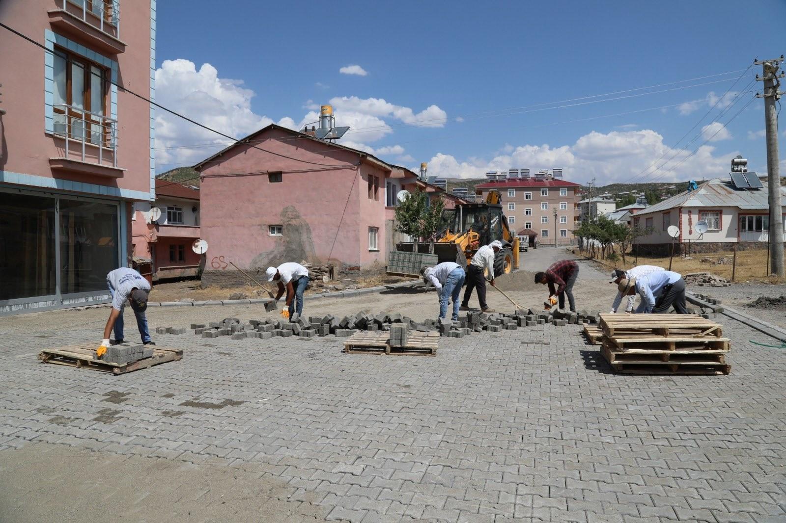Bingöl Belediyesi alt ve üstyapı çalışmalarını sürdürüyor