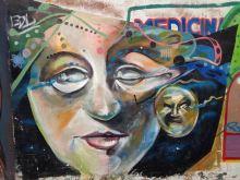 Frau und Mond in Chiclayo