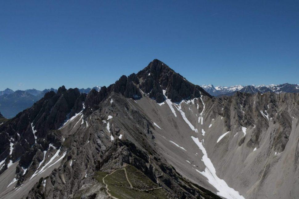 Der Ausblick von der Seefelder Spitze auf die Reither Spitze
