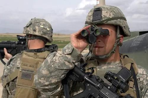 how to choose military binoculars