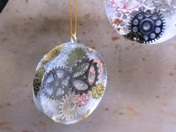 Steampunk Christmas Tree Bauble Decorations with Cogs & Gears. Created by SazSkullduggery..