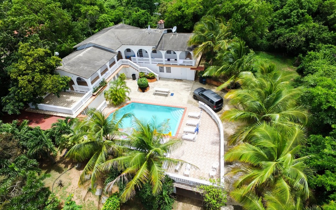 Vieques – Hacienda with pool (From $30 person/night)