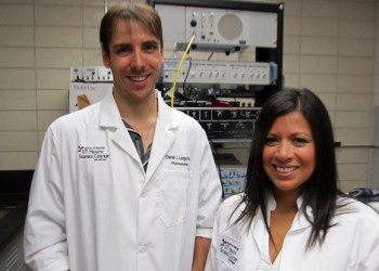 Daniel Lodge, Ph.D., and Stephanie Perez, doctoral student, both from the School of Medicine at The University of Texas Health Science Center at San Antonio, discovered that transplanting stem cells into the rat brain — into a center called the hippocampus — restored functions that are abnormal in schizophrenia.