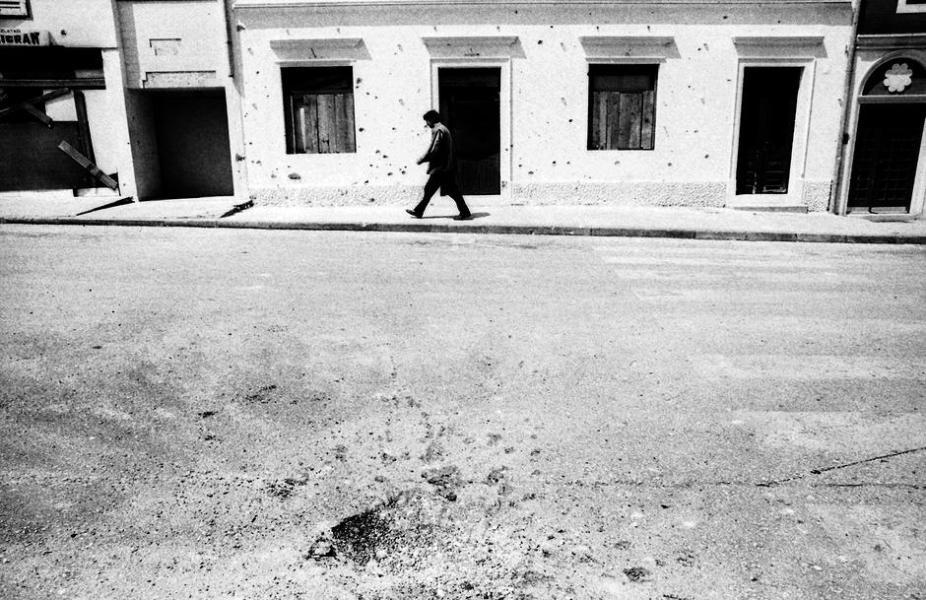 Nediljko Gagić (28.1.1975. – 18.5.1992.) poginuo tijekom iznenadnog granatiranja Biograda u samom centru grada s nepunih 17 godina