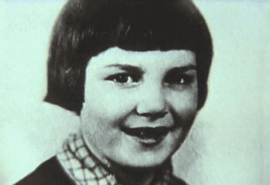Элина Быстрицкая в детстве