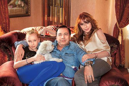 Алёна Апина: биография, личная жизнь, семья, муж, дети — фото